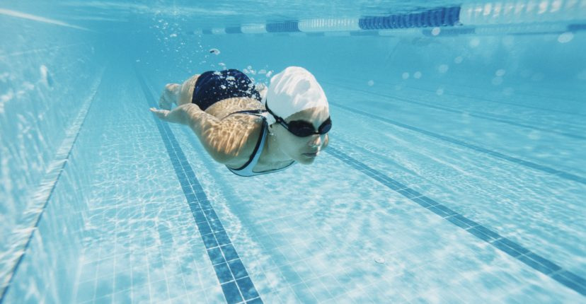 entrenat a la piscina
