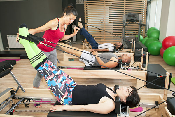 exercicis pilates escoliosi