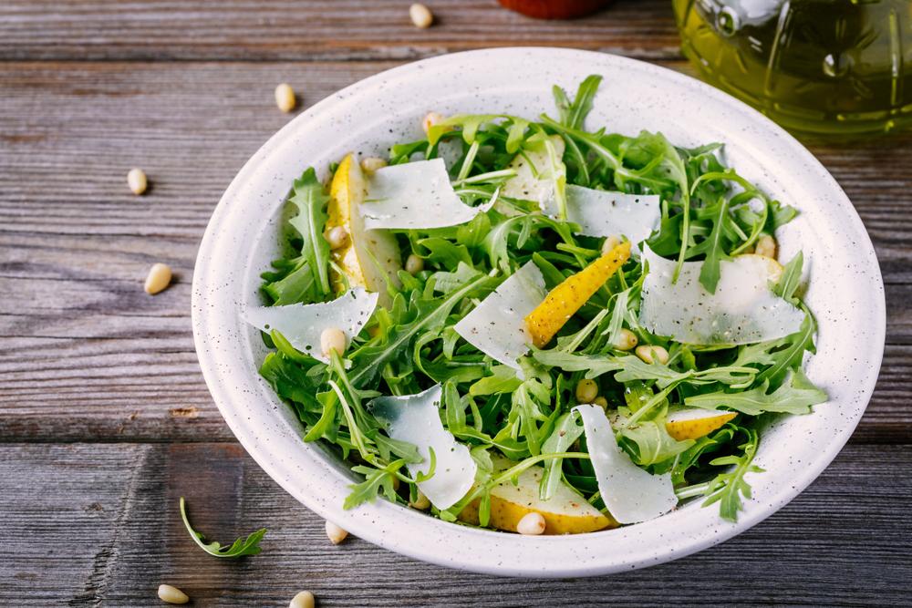 receta de ensalada de verano de rúcula con pera