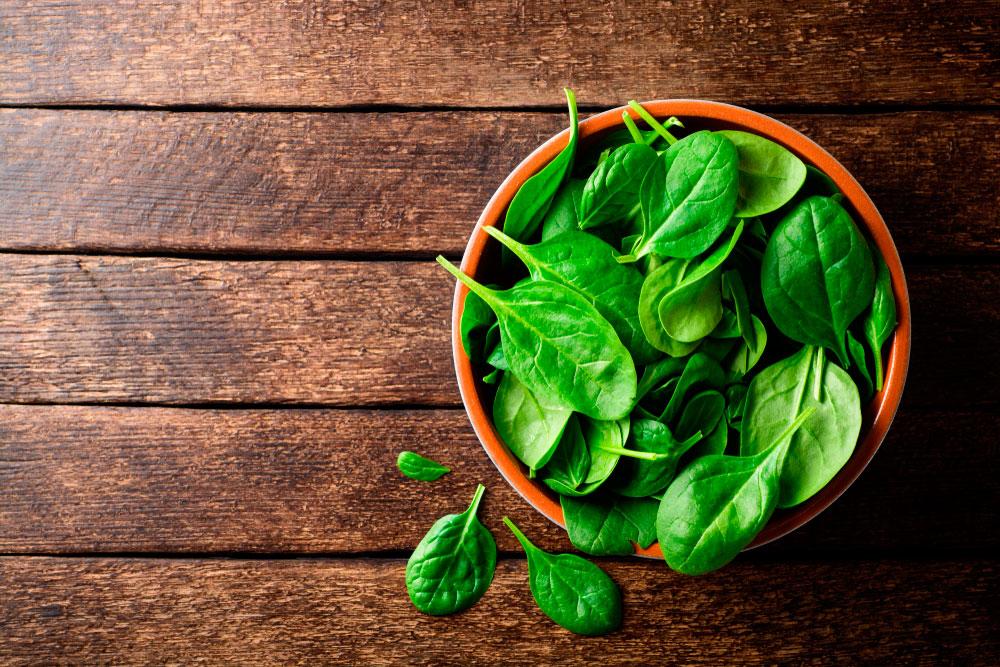 espinacas alimentos para mantenerte joven
