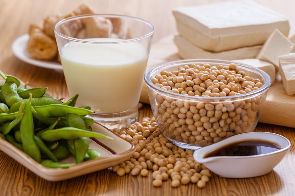 bainas de soja, leche de soja y semillas de soja