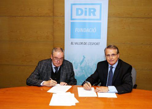 Signatura conveni entre Fundació DiR i FECEC